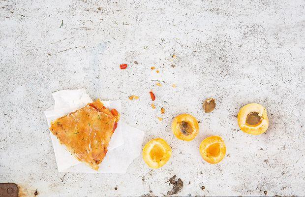 Авторские рецепты от «Короны»: сальса из абрикосов в лаваше