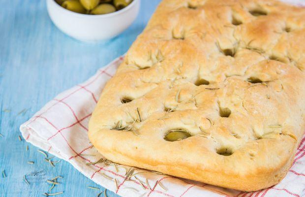 Авторские рецепты от «Короны»: фокачча с оливками