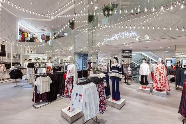 В Беларуси откроют второй магазин H&M. Узнали, где, когда и какие подарки ждут первых посетителей